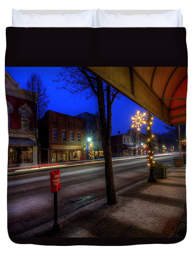 Christmas Lights Duvet Cover featuring the photograph Ohio Christmas Eve by David Dufresne