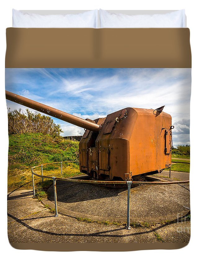 Artillery Duvet Cover featuring the photograph Old Artillery Gun - Ft. Stevens - Oregon by Gary Whitton