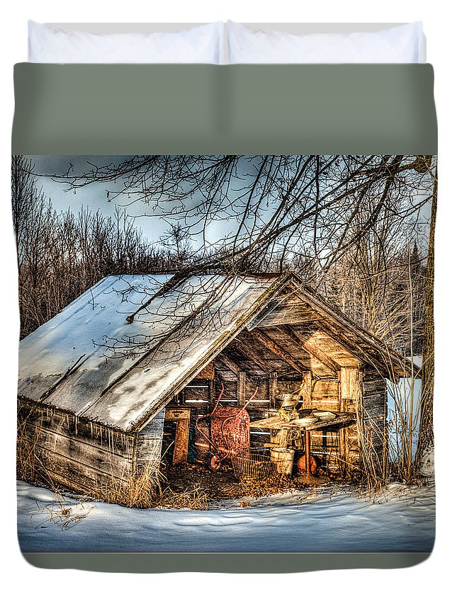 Old Shed Duvet Cover featuring the photograph Old But Not Forgotten by Paul Freidlund
