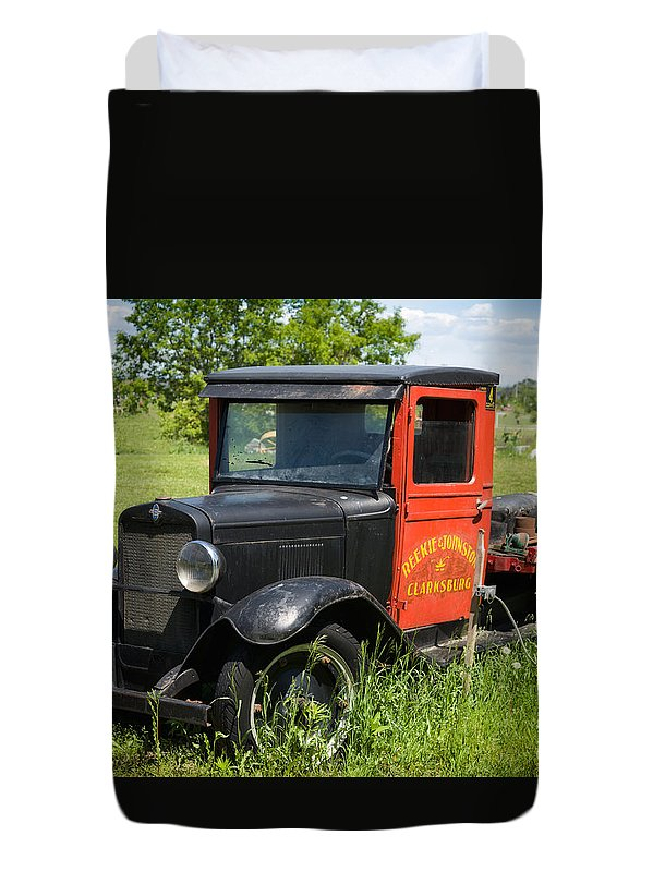 Old Duvet Cover featuring the photograph Old Chevrolet Truck by Les Palenik