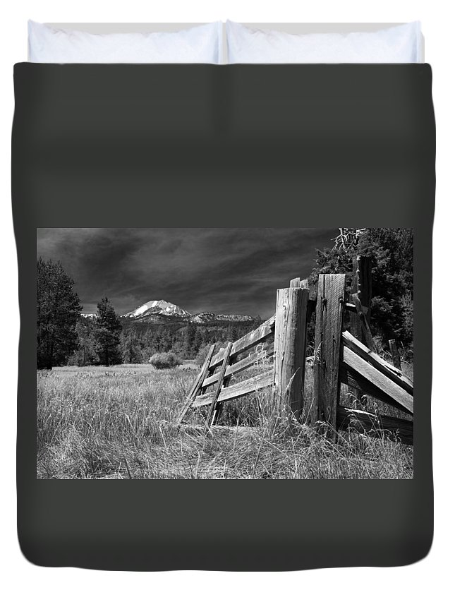 Mount Lassen Duvet Cover featuring the photograph Old Fence At Mount Lassen by James Eddy