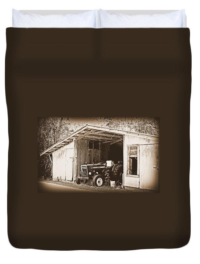 Ford Duvet Cover featuring the photograph Old Ford by Faith Williams