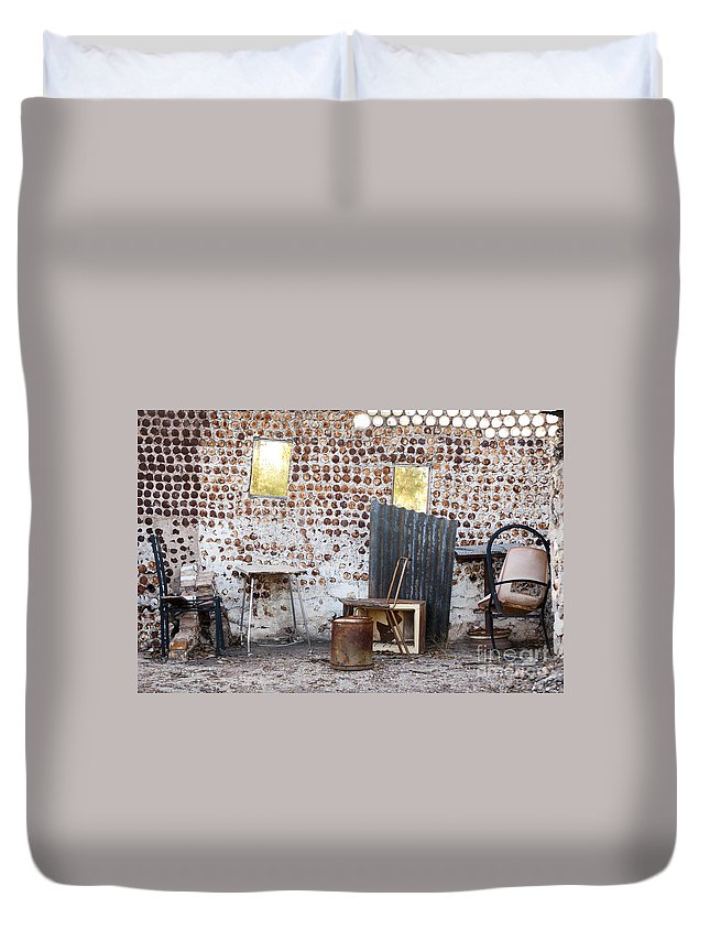 Lightning Ridge Duvet Cover featuring the photograph Old Home Interior by Tim Hester