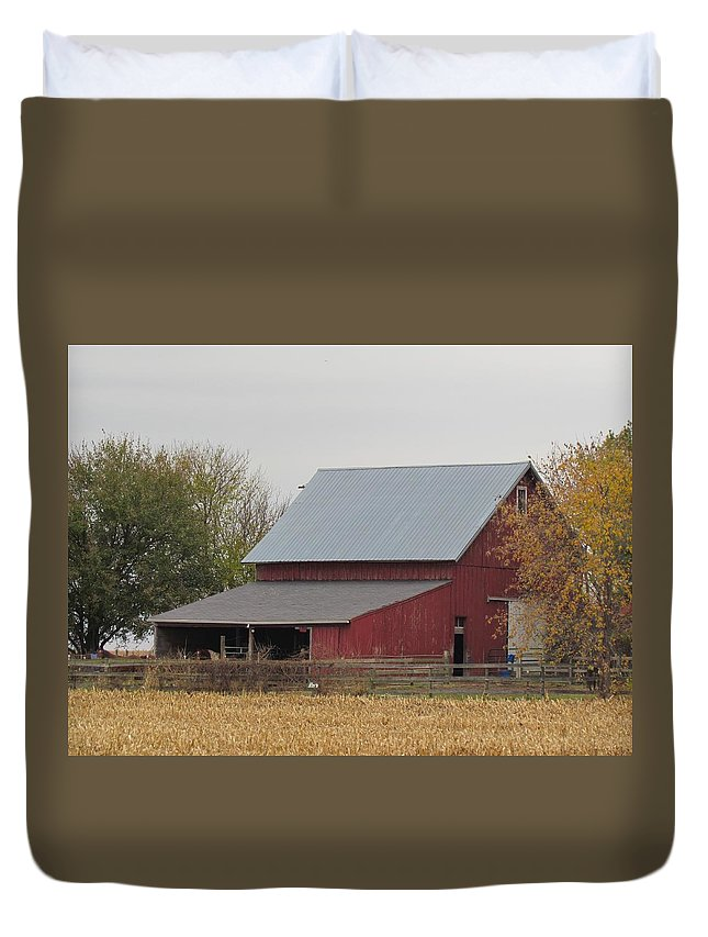 Old Horse Barn Duvet Cover featuring the photograph Old Horse Barn by Eric Noa