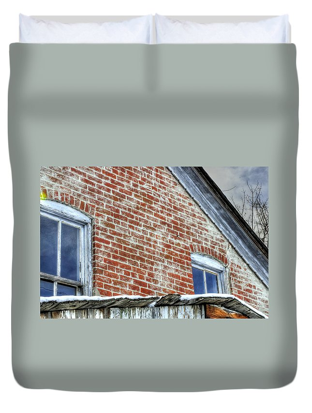 Denver Duvet Cover featuring the photograph Old House 13098 by Jerry Sodorff
