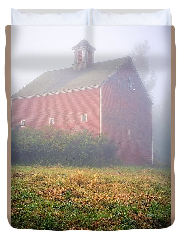 Mist Duvet Cover featuring the photograph Old Red Barn In Fog by Edward Fielding