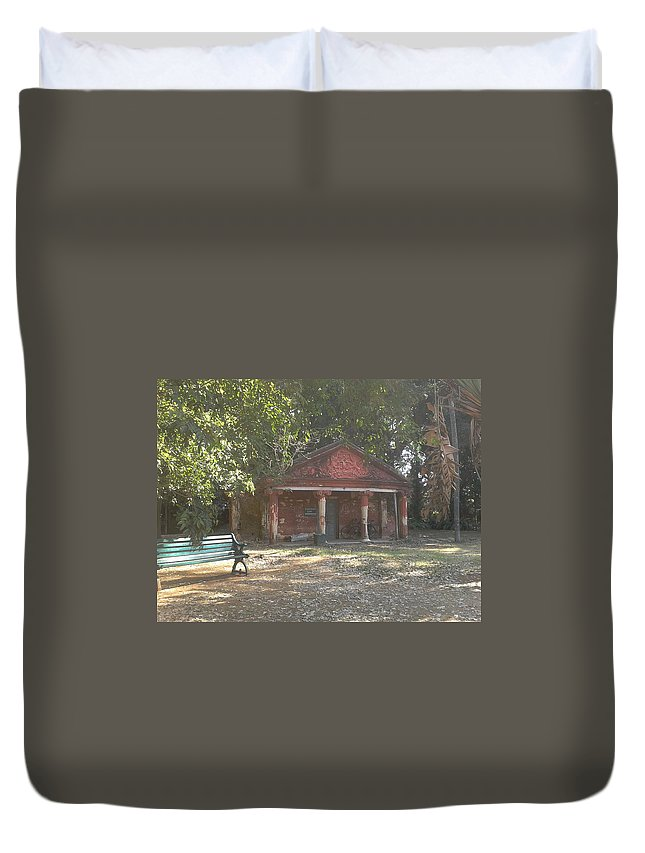 Bench Duvet Cover featuring the photograph Old Red House In Lal Bag by Artist Nandika Dutt