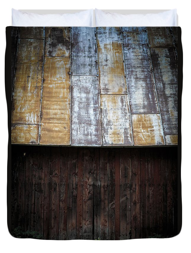 Vermont Duvet Cover featuring the photograph Old Rusty Tin Roof Barn by Edward Fielding