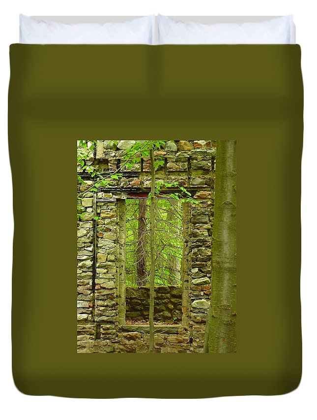 Pocono Duvet Cover featuring the photograph Old Stone House by Two Bridges North