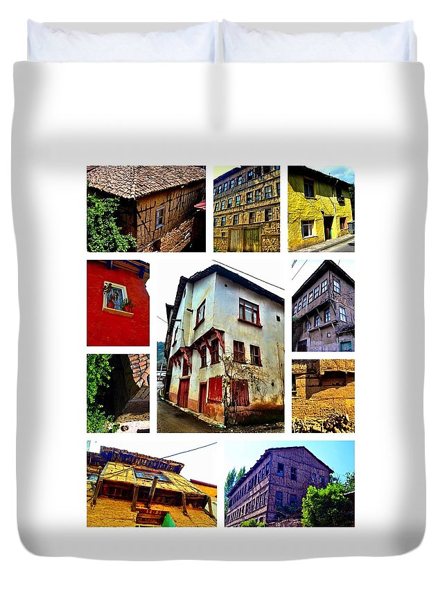 Old House Duvet Cover featuring the photograph Old Turkish Houses by Zafer Gurel