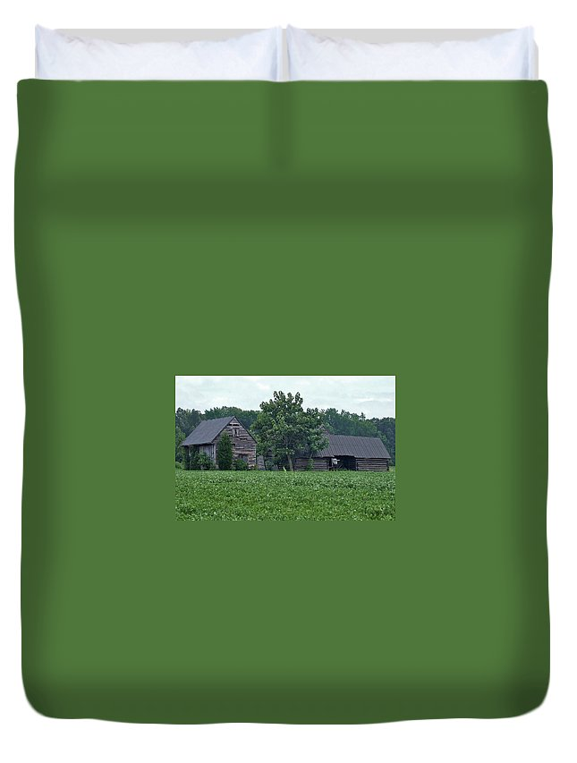 Old Barns Duvet Cover featuring the photograph Old Virginia Barns by Susan Wyman