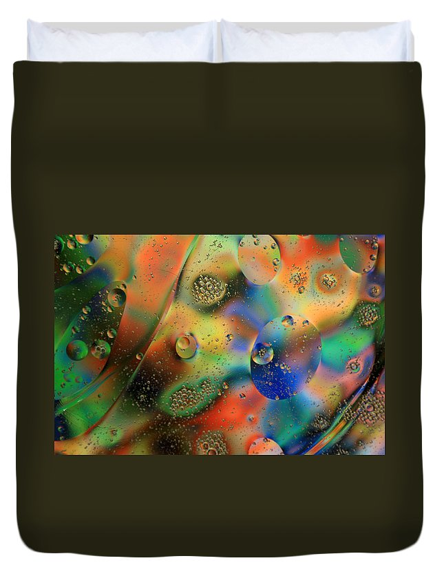 Oil Duvet Cover featuring the photograph Olej I Woda 1 by Joe Kozlowski