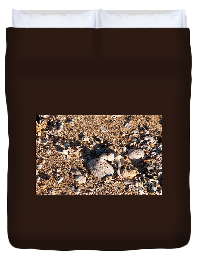 Australia Duvet Cover featuring the photograph On The Beach 03 by Rick Piper Photography
