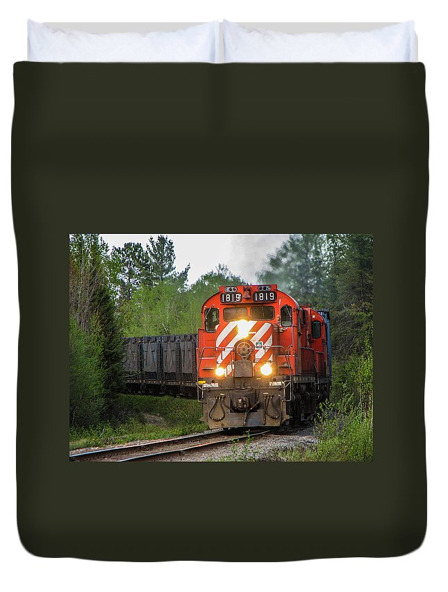 1819 Duvet Cover featuring the photograph Red Ore Train On A Curve Near Bathurst by Steve Boyko