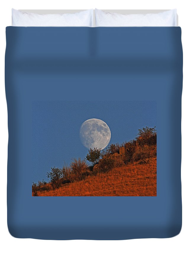 Oregon Moon Duvet Cover featuring the photograph Oregon Moon by Tom Janca