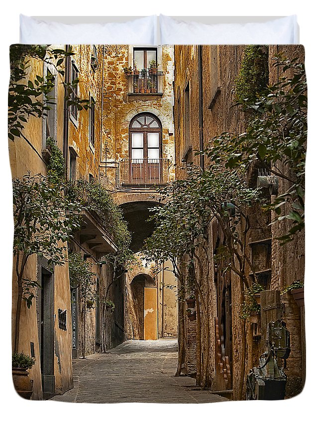Orvieto Duvet Cover featuring the photograph Orvieto Side Street by Lynn Andrews