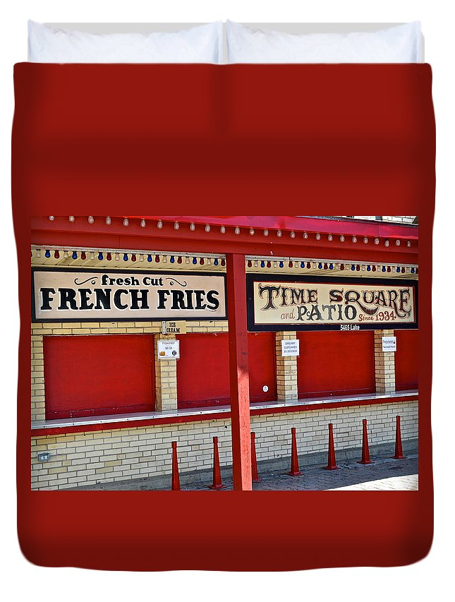 Diner Duvet Cover featuring the photograph Outdoor Diner by Frozen in Time Fine Art Photography