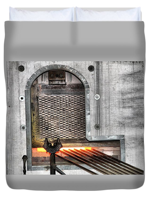 Oven Duvet Cover featuring the photograph Oven by Dan Sproul