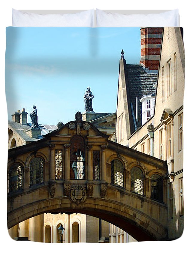 Oxford Bridge Duvet Cover featuring the photograph Oxford Bridge Of Sighs by Terri Waters