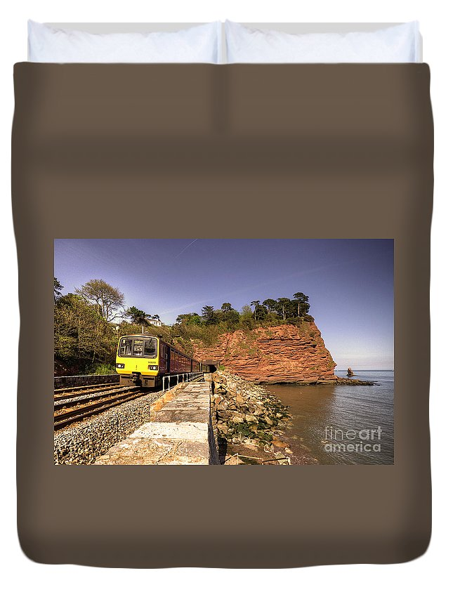 Teignmouth Duvet Cover featuring the photograph Pacer At Parson's Tunnel by Rob Hawkins