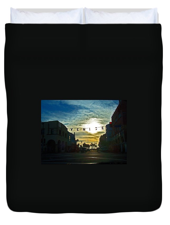Cities Duvet Cover featuring the photograph Pacific Ave by Jennifer Robin