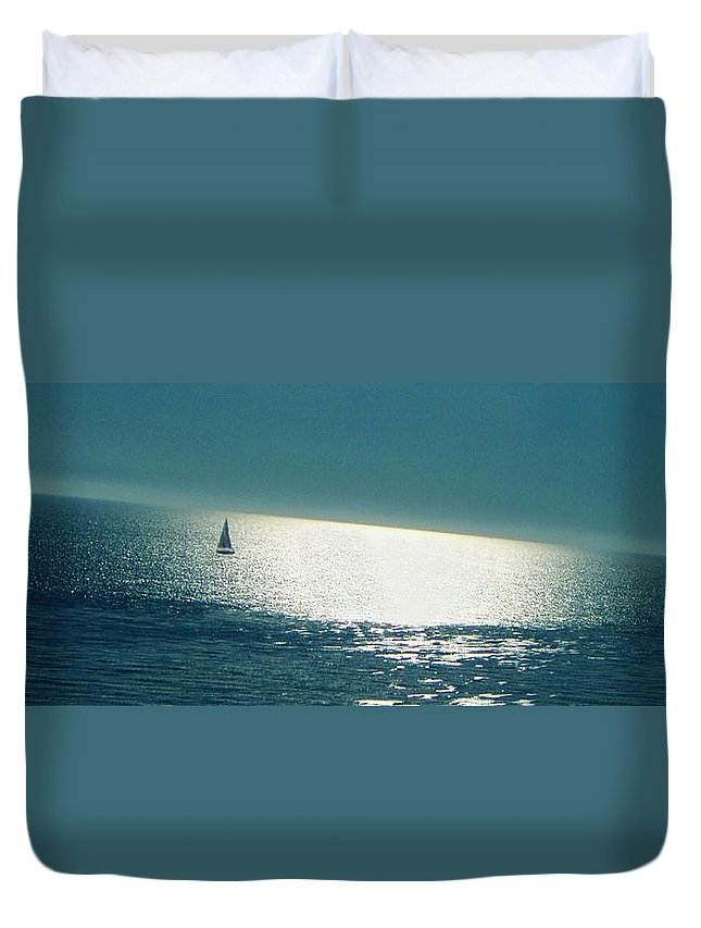 Waterscape Duvet Cover featuring the photograph Pacific by Ben and Raisa Gertsberg