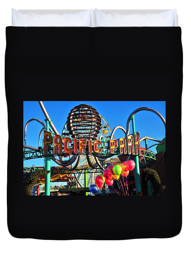 Pacific Duvet Cover featuring the photograph Pacific Park On The Pier by Lynn Bauer