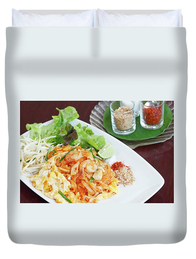 Prawn Duvet Cover featuring the photograph Pad Thai by Tommyix