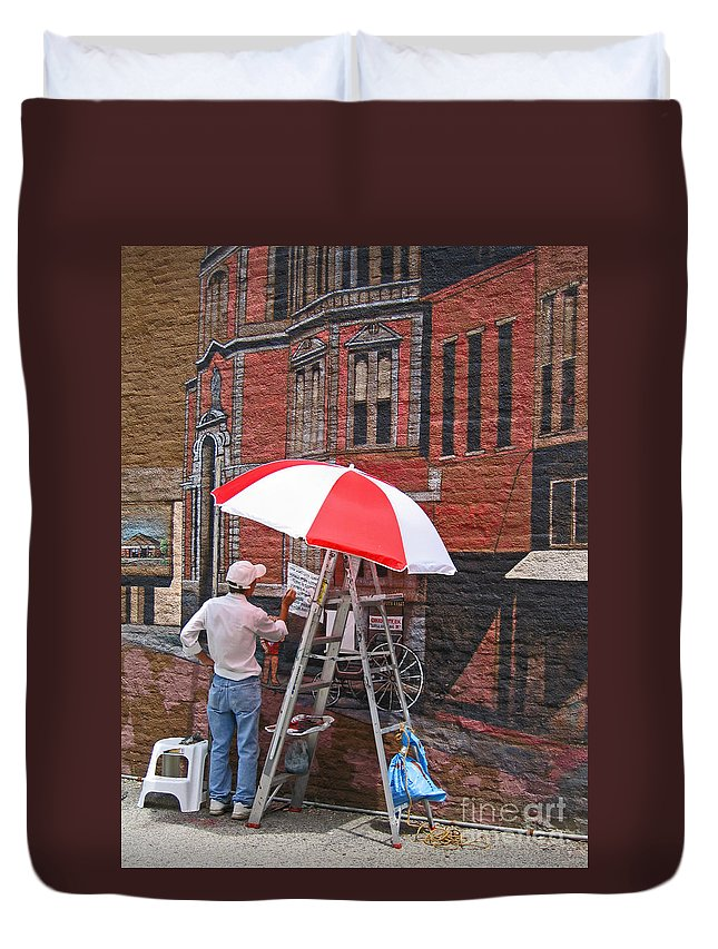 Artist Duvet Cover featuring the photograph Painting The Past by Ann Horn