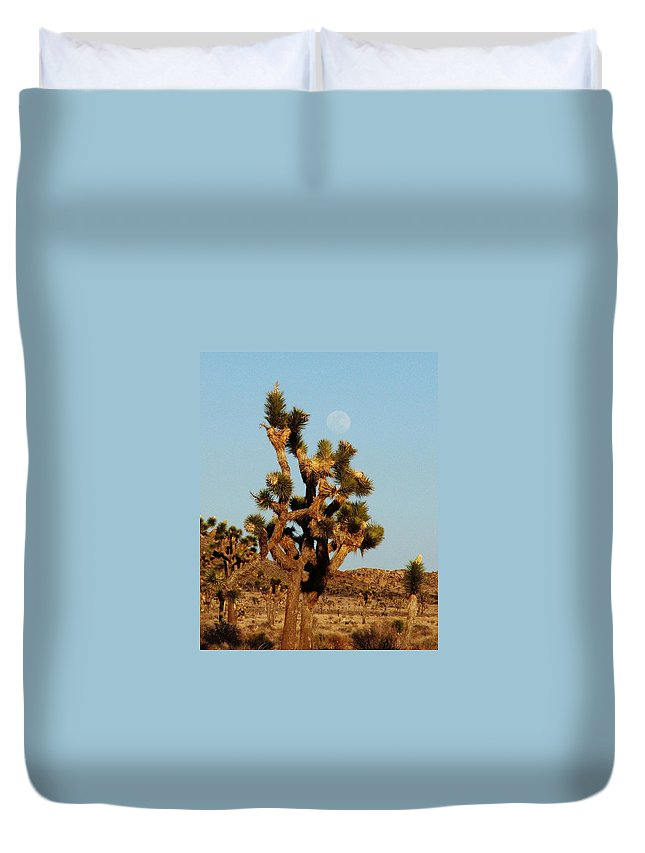 Joshua Tree Duvet Cover featuring the photograph Pale Moon Rising by Patricia Quandel