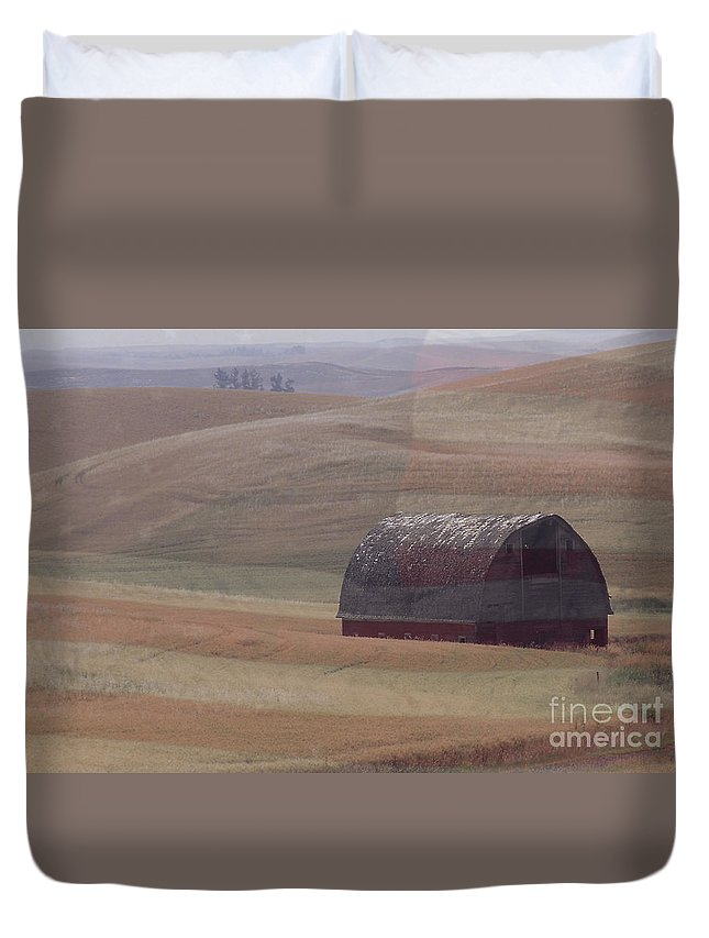 Barn Duvet Cover featuring the photograph Palouse Country U S A by Sharon Elliott