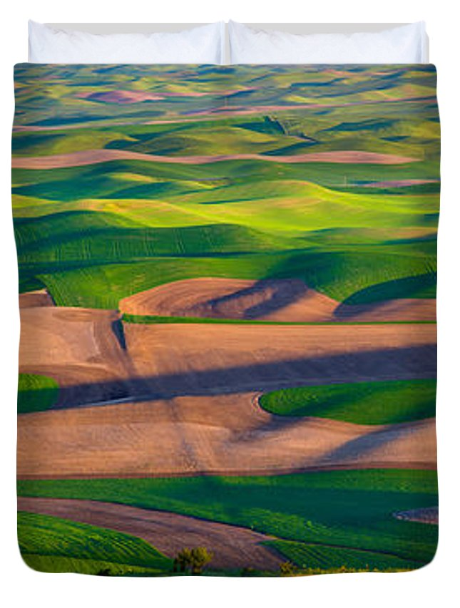 America Duvet Cover featuring the photograph Palouse Ocean Of Wheat by Inge Johnsson