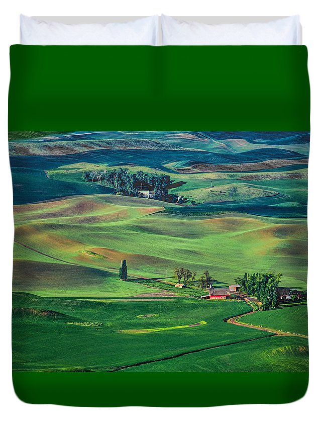 Palouse Duvet Cover featuring the photograph Palouse - Washington - Farms - 4 by Nikolyn McDonald