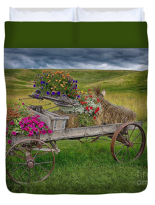 Palouse Welcome Wagon Duvet Cover featuring the photograph Palouse Welcome Wagon by Priscilla Burgers