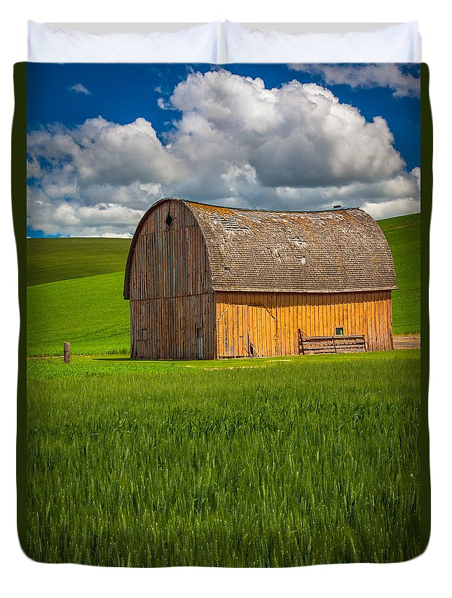 America Duvet Cover featuring the photograph Palouse Yellow Barn by Inge Johnsson