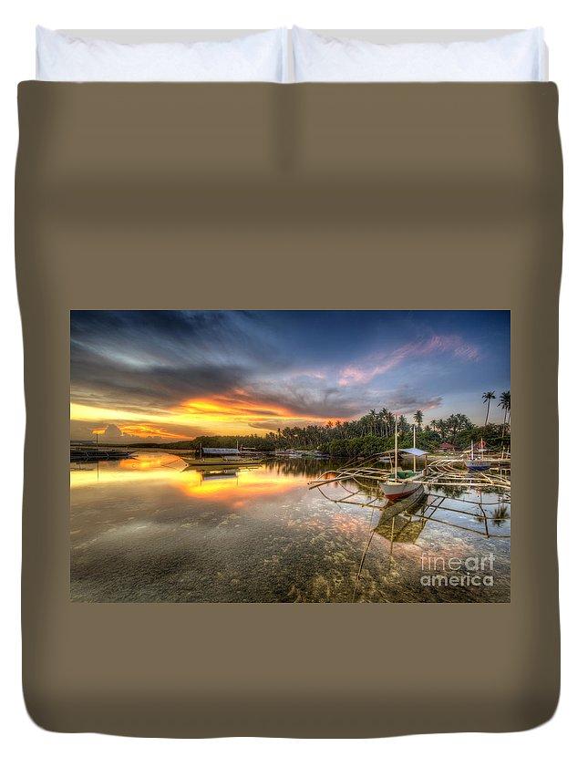 Yhun Suarez Duvet Cover featuring the photograph Panglao Port Sunset by Yhun Suarez