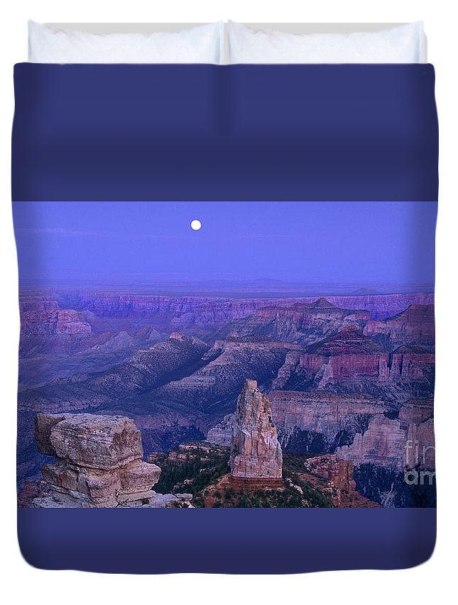 North America Duvet Cover featuring the photograph Panorama Moonrise Over Point Imperial Grand Canyon National Park by Dave Welling