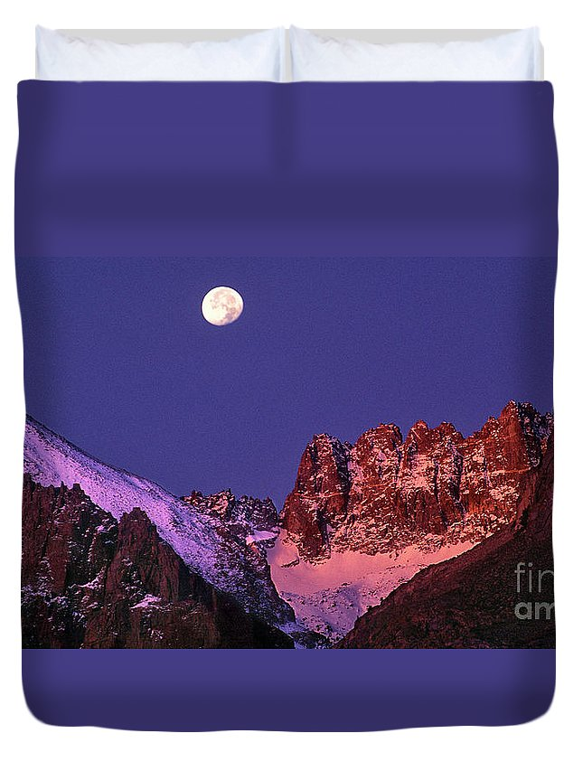 North America Duvet Cover featuring the photograph Panorama Moonset Middle Palisades Glacier Eastern Sierras California by Dave Welling