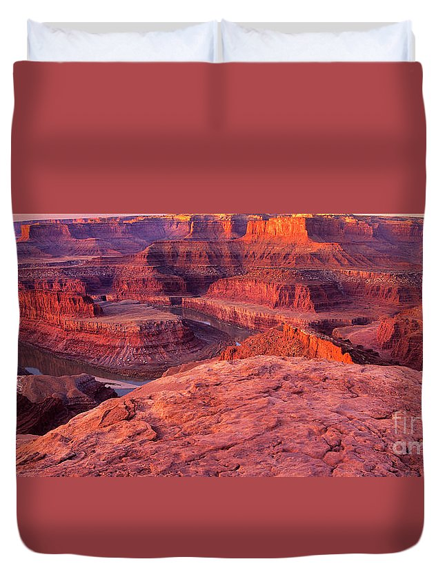 Dead Horse Point Duvet Cover featuring the photograph Panorama Sunrise At Dead Horse Point Utah by Dave Welling