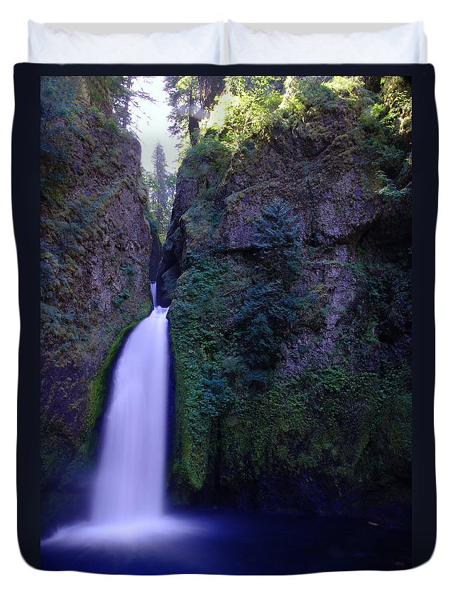 Waterfalls Duvet Cover featuring the photograph Paradise Pours Wanclella Falls Oregon by Jeff Swan