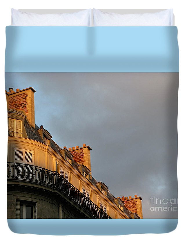 Paris Duvet Cover featuring the photograph Paris At Sunset by Ann Horn