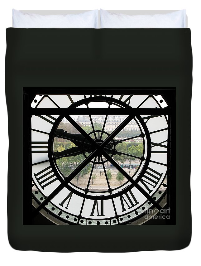 Clock Duvet Cover featuring the photograph Paris Time by Ann Horn