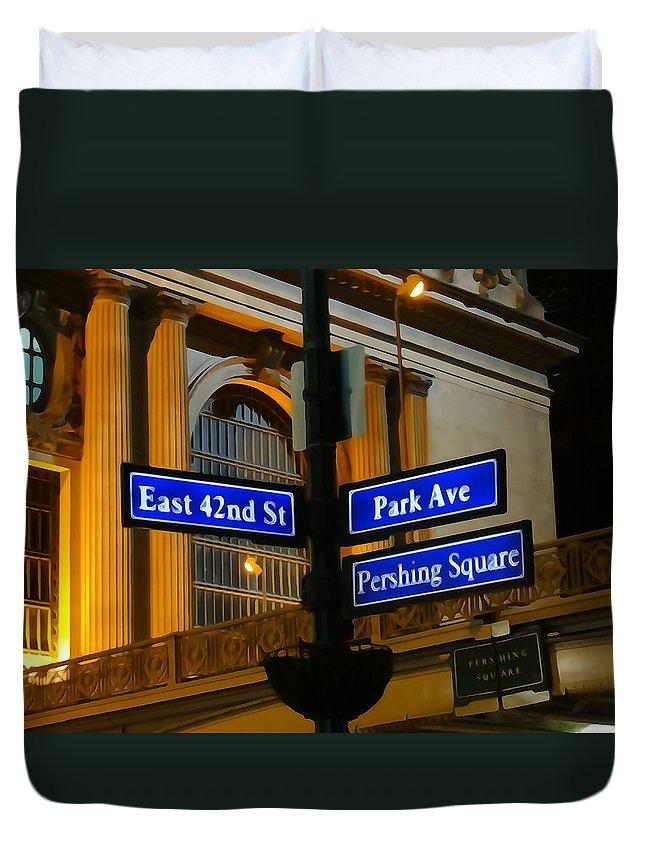 Park Avenue Duvet Cover featuring the photograph Park Avenue by Dan Sproul