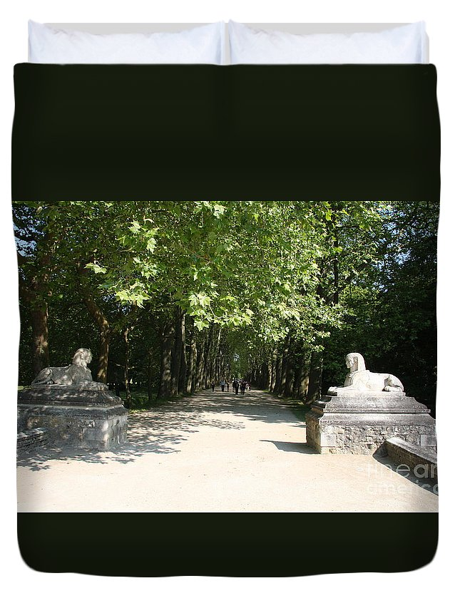 Egyptian Statue Duvet Cover featuring the photograph Parkway Chateau Chenonceaux France by Christiane Schulze Art And Photography