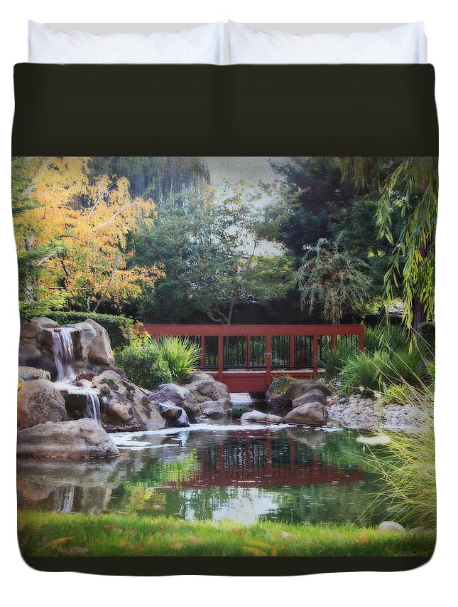 Landscape Duvet Cover featuring the photograph Peaceful Dreams by Laurie Search