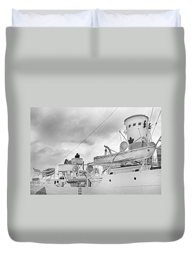 Boat Duvet Cover featuring the photograph Peaceful by Betsy Knapp