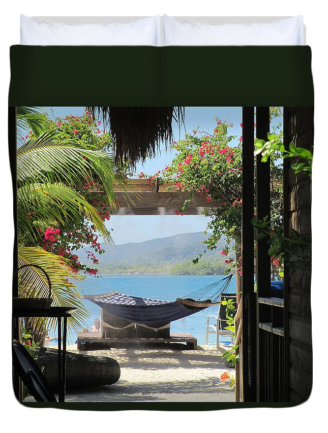 Elaine Haakenson Duvet Cover featuring the photograph Peaceful Roatan by Elaine Haakenson