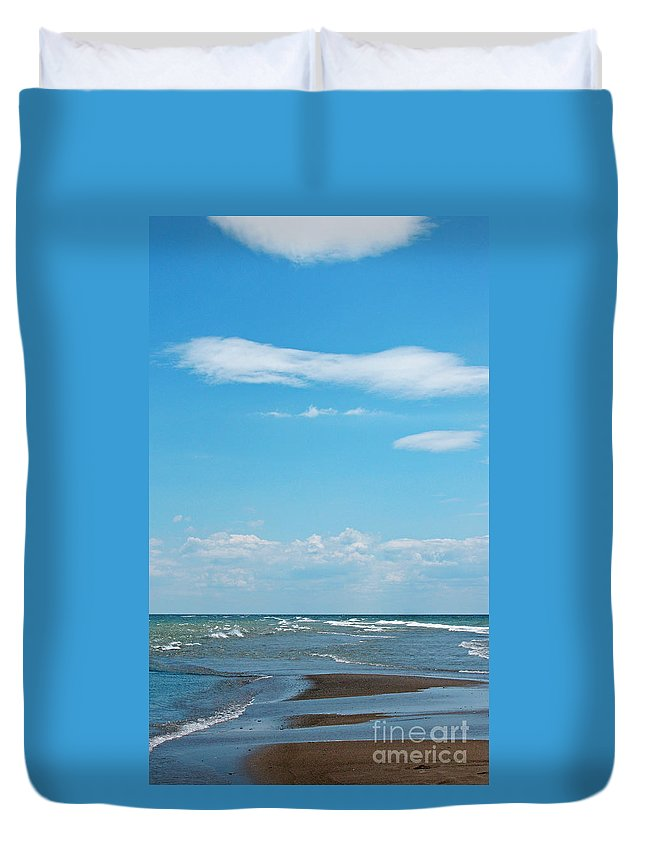 Canada Duvet Cover featuring the photograph Pelee by Ann Horn