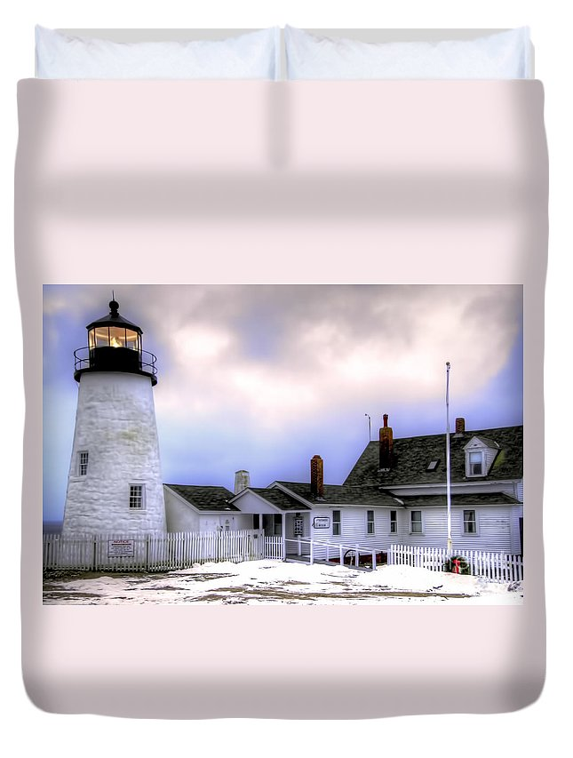 Bristol Duvet Cover featuring the photograph Pemaquid Point Lighthouse by Brenda Giasson