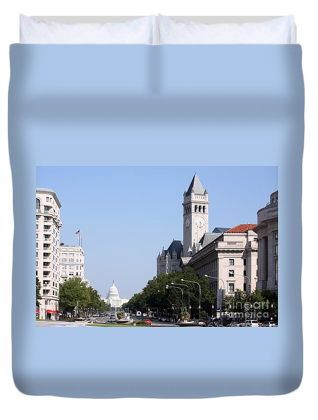 Ave Duvet Cover featuring the photograph Pennsylvania Avenue by Bill Cobb